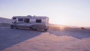 Camping Sat Anlage fürs Wohnmobil: Schüssel oder Flachantenne?