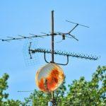 DVB-T2 oder Satellit? Wann die Schüssel die bessere Alternative ist.