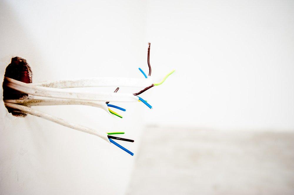 Kabel durch Wand